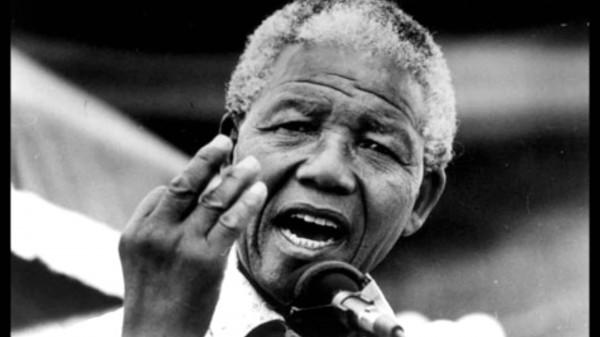 Mandela durante uno de sus mítines
